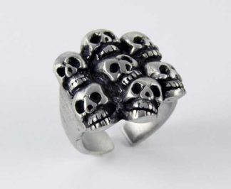 Ring Pewter With Skull Heads