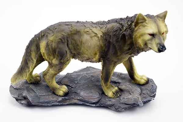 Wolf On Base 21X8.5X14.8cm