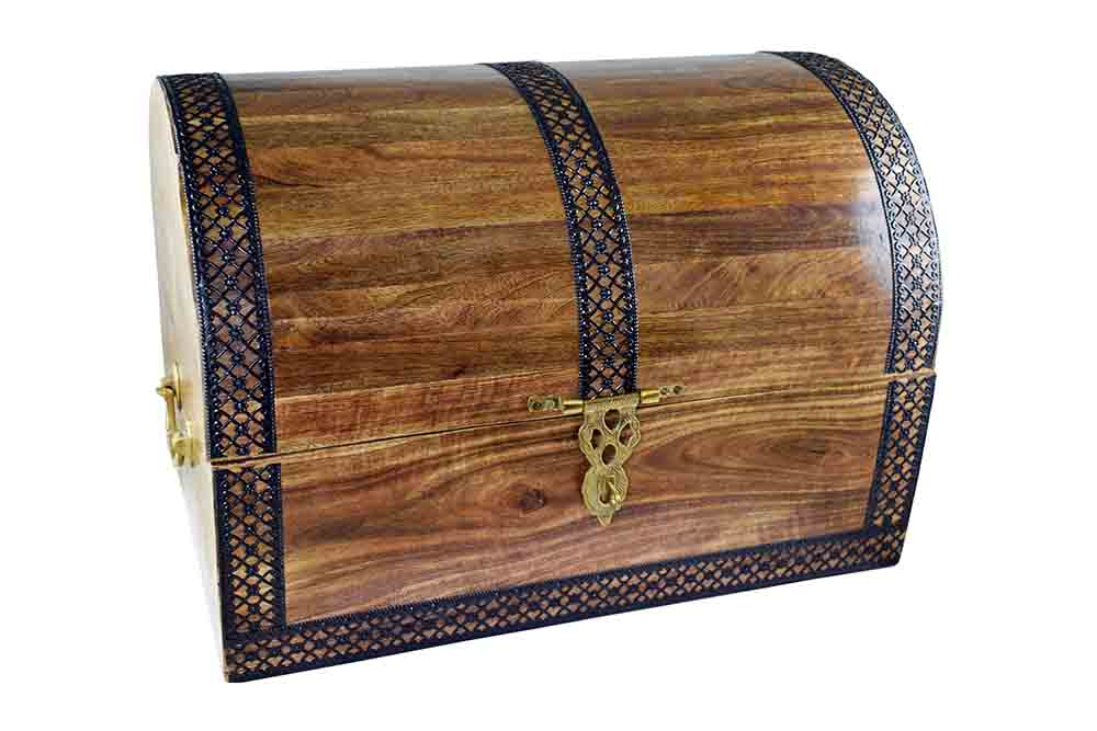 Box Chest With Border Design